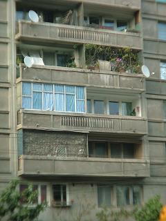 20080907211602-ventanas-de-bucarest.jpg