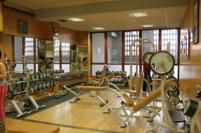 Gimnasio bucarestinos for Gym mas cercano