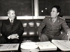 20111022132801-111022-gaddafi-ceausescu-1974.jpg