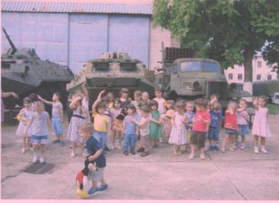 20100710233106-100706-visita-al-museo-militar.jpg