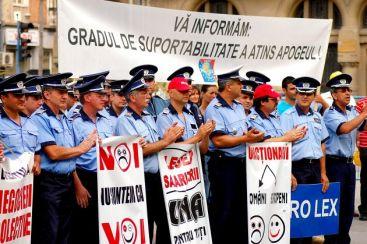 20100929094323-100929-protestas-policia.jpg