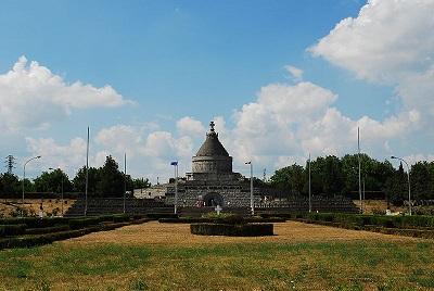 20170408202926-170408-marasesti-mausoleum.jpg